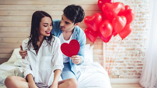 彼の愛に気づいて!男性が愛情MAXのときにとる言動5パターン