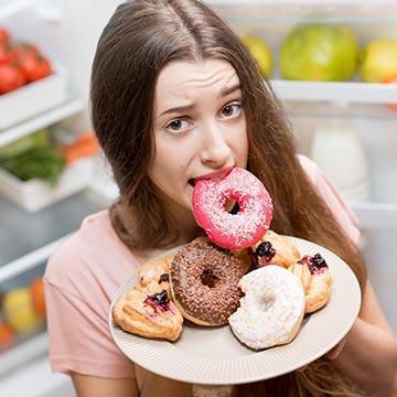 暴飲暴食が癖になる前に!疲れた胃腸を正常に戻す方法