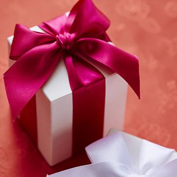 友達の結婚を祝福♪絶対喜ばれる贈りものは「モノ」じゃない?4つのアイディア